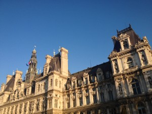 Paris_HdeV_blue_sky