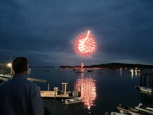 Stonington_fireworks_2015