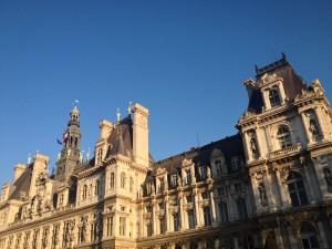 Paris_HdeV_blue_sky
